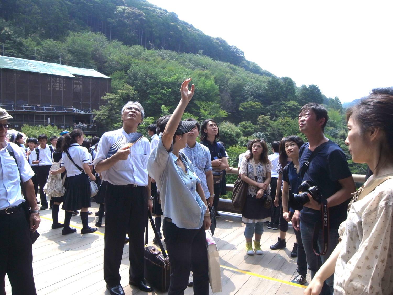 小沢朝江教授による解説の風景
